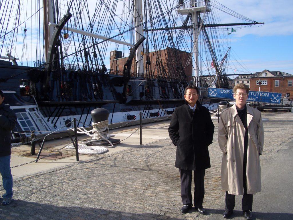 ボストンの港で